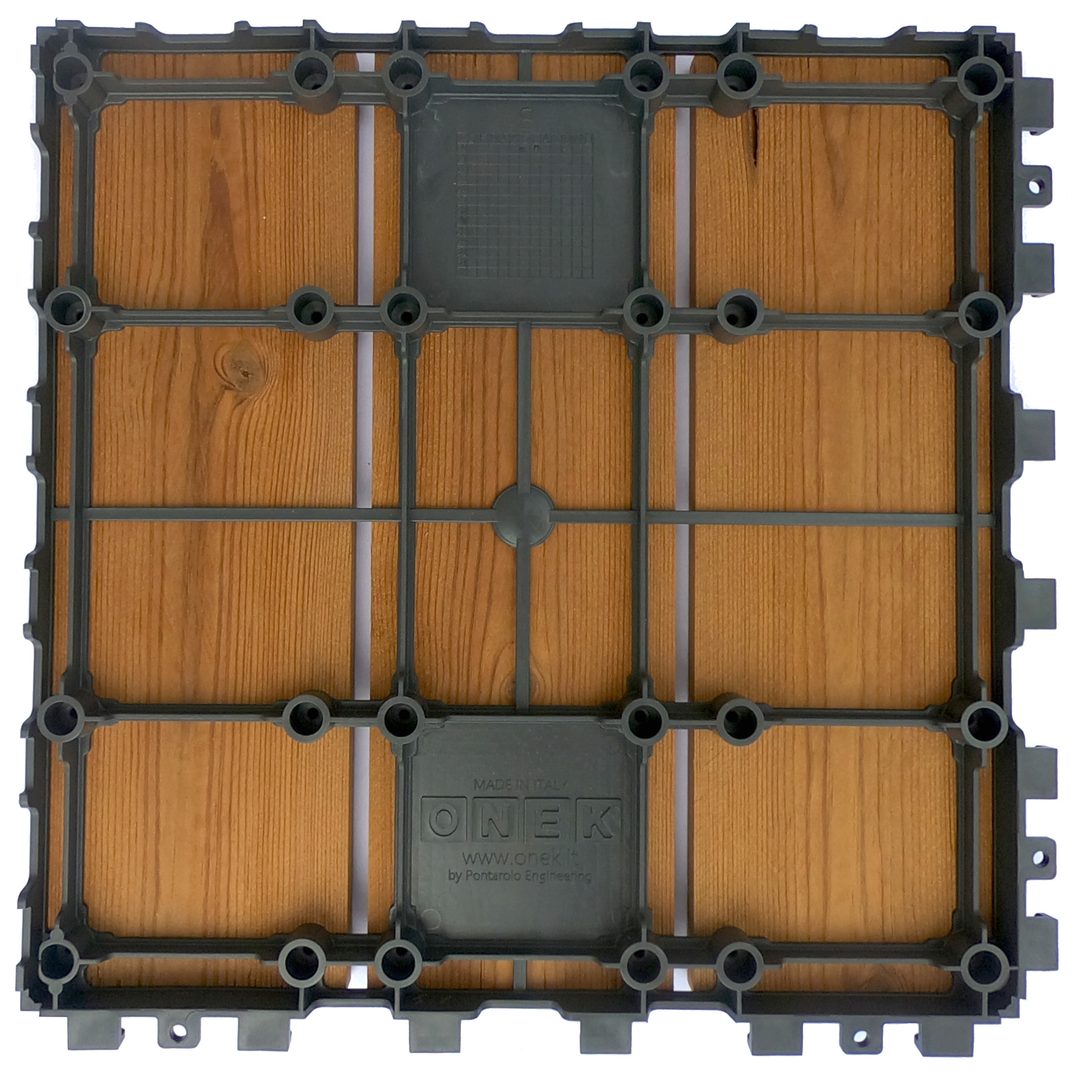 Smartdeck modular tile for outdoor flooring in thermowood pine 4
