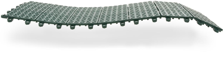 Multiplate flexible outdoor flooring in recycled plastic